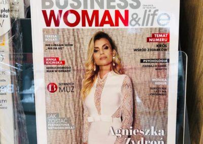 Bohaterka okładki magazynu BusinessWomanLife 2019 Empik, Poczta Polska, salony prasowe w całej Polsce